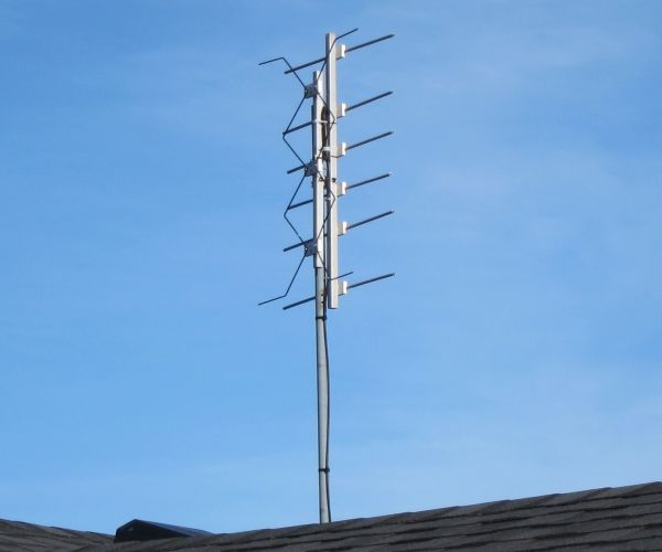 DTV Antennas | Professor Mark Csele